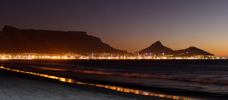 south-africa-cape-town-night
